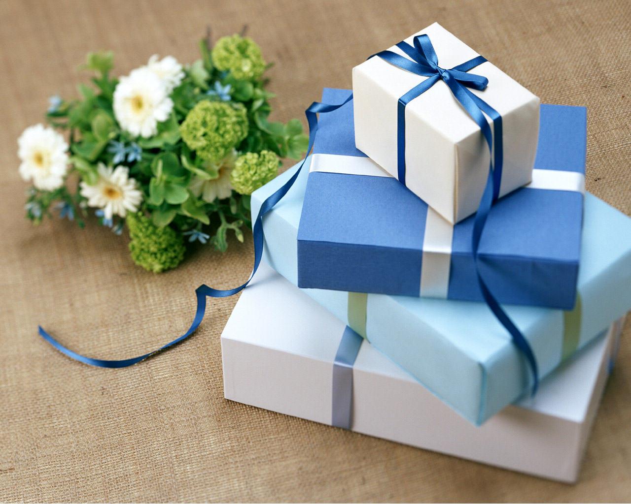 Фото лучших подарков на день рождения